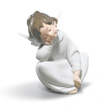 Lladro 01004961 Angel Dreaming Figurine