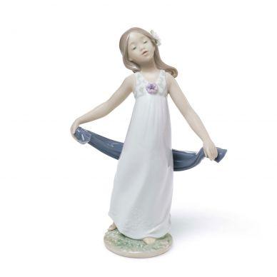 Lladro 01008363 Gentle Breeze Figurine