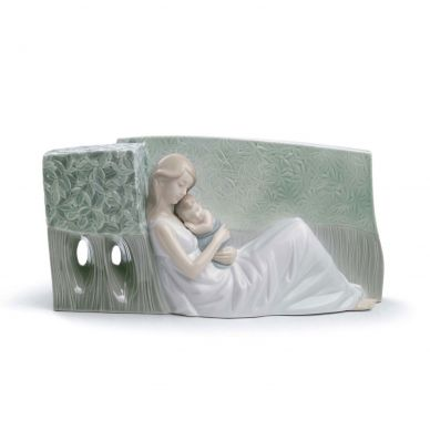 Lladro 01008436 A Tender Caress Mother and Child Figurine