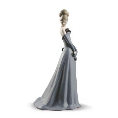Lladro 01009260 Gala Dance Woman Figurine