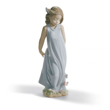 Lladro 1006963 Friend Of The Butterflies Girl Figurine